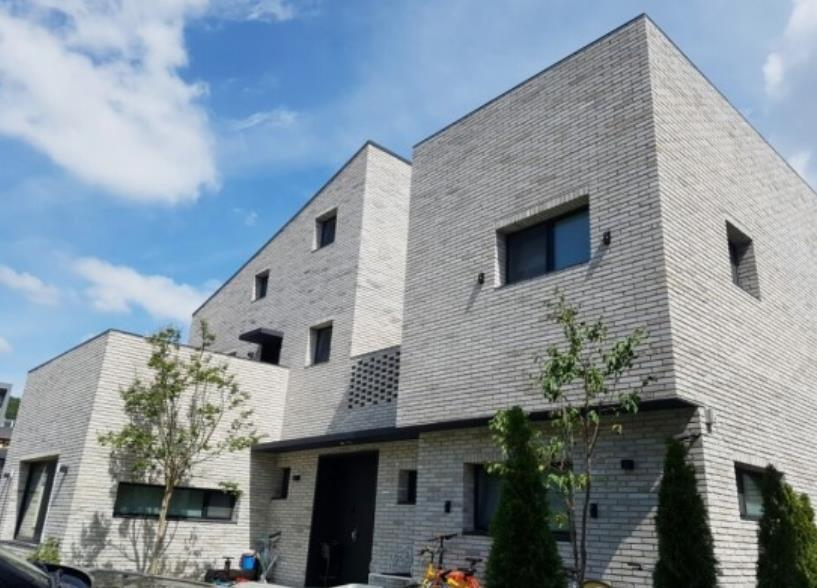 White Thin Brick 240 x 50 x 20