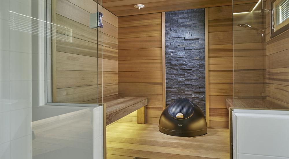 Musta luonnonkivi saunassa